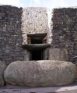 Bild_Newgrange-trippelspiral